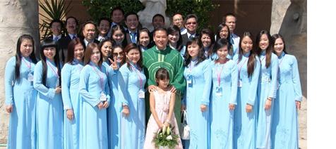 Hình Ảnh Mừng Lễ Bổn Mạng Ca Đoàn Đức Mẹ La Vang ngày 11 & 12/8/2012