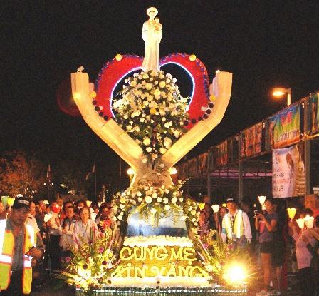 Hình Ảnh Đại Hội Mẹ La Vang 2012 ngày 20/10/2012